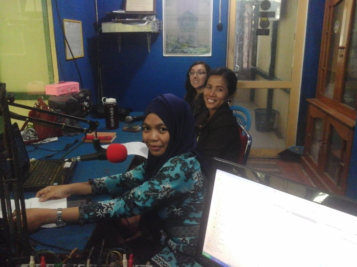 Siaran di radio RKK_YP dan ASRI