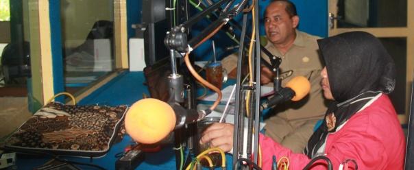 Talkshow dgn Dishut _Ir. Adi Mulya. ttg permasalahan kehutanan dan Hutan Desa (2)
