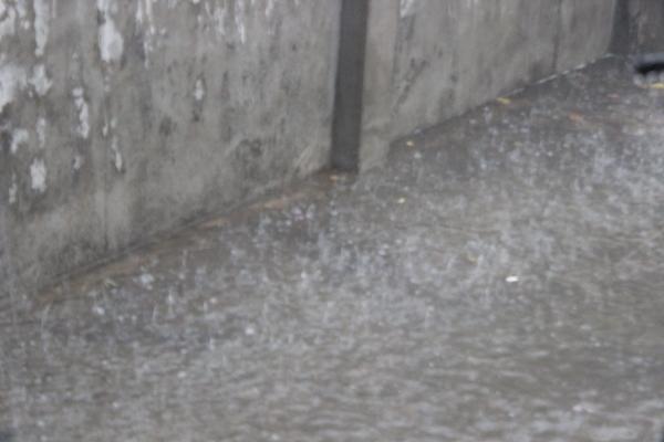 Hujan perdana dibulan okt_foto 2 dok YP