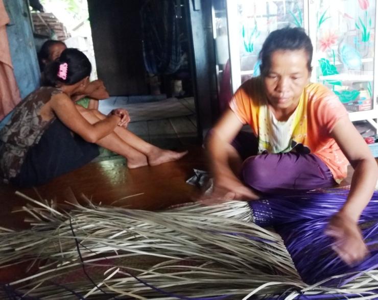 Monitoring HHBK di Desa Batu Barat, foto dok. Yayasan Palung (1)