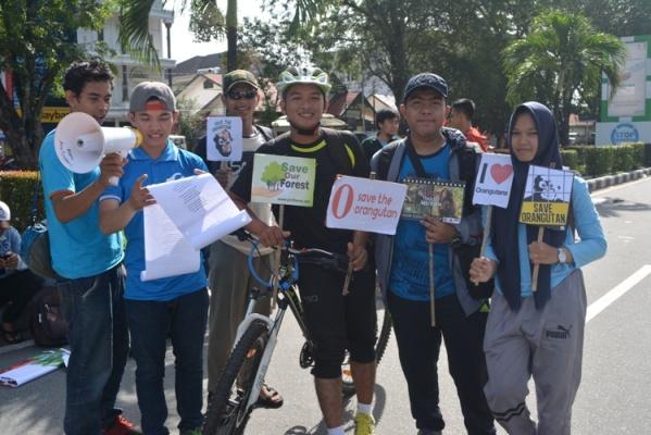 membaca-syair-gulung-dan-kampanye-ttg-orangutan