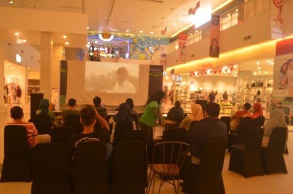Saat pemutaran film lingkungan dalam rangka IOD 2018 di Citimall Ketapang sebagai upaya kampanye penyadartahuan  (1).jpg