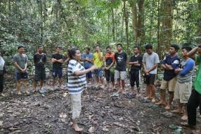 Belajar di hutan